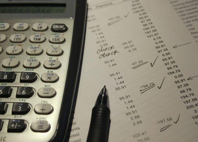 Débit et crédit: un guide simple pour comprendre ces termes comptables